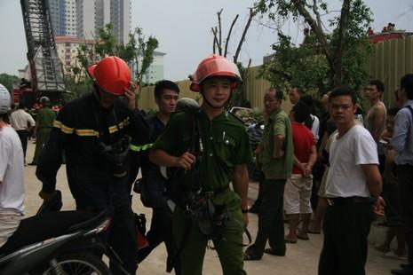 Hà Nội: Cháy lớn tại chung cư hàng chục tầng  - ảnh 4