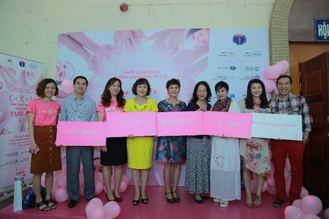 Tổ chức khám miễn phí ung thư vú cho phụ nữ ở Hà Nội và TP.HCM - ảnh 1