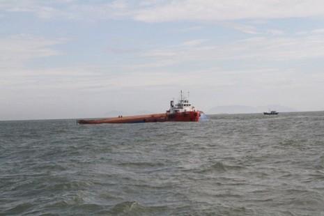 Chìm tàu Hoàng Phúc 18: Sóng lớn, công việc cứu hộ gặp khó khăn - ảnh 6