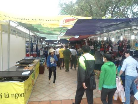 Hơn 80 gian hàng tham gia Phiên chợ hàng Việt - ảnh 1