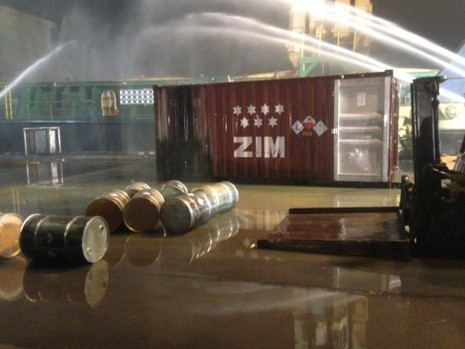 Cháy 20 container chở phốt pho tại cảng ở Hải Phòng - ảnh 4