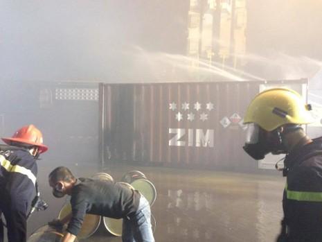 Cháy 20 container chở phốt pho tại cảng ở Hải Phòng - ảnh 5