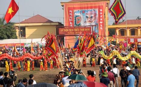 Khai hội 'Vua' xuống ruộng làm lễ Tịch điền - ảnh 1