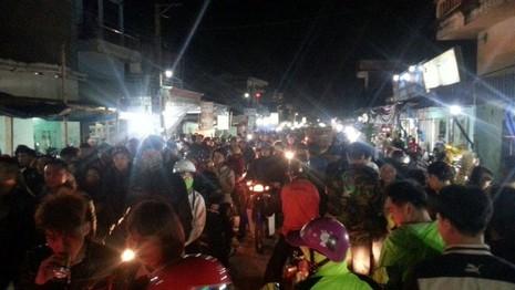 Chợ Viềng: Nghẹt thở đi chợ cầu may - ảnh 10