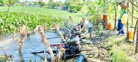 Xâm mặn 90 km, nửa triệu dân thiếu nước sinh hoạt trầm trọng - ảnh 2