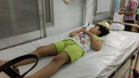 Phạt cơ sở gây ngộ độc cho học sinh Trường Trần Quang Khải  - ảnh 1