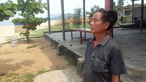 Hà Tĩnh: Ngư dân phát hiện dải nước biển màu sậm khác thường - ảnh 1