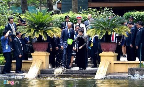 Tổng thống Obama công bố gỡ bỏ cấm vận vũ khí đối với Việt Nam  - ảnh 3