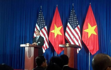 Tổng thống Obama công bố gỡ bỏ cấm vận vũ khí đối với Việt Nam  - ảnh 1