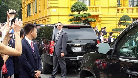 Tổng thống Obama công bố gỡ bỏ cấm vận vũ khí đối với Việt Nam  - ảnh 17