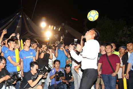 Chùm ảnh: Người Sài Gòn cùng nhịp đập Euro - ảnh 4