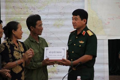 Su-30MK2 gặp nạn: Bộ Quốc phòng khen thưởng ngư dân cứu phi công Cường - ảnh 2