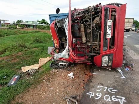Lại tai nạn nghiêm trọng trên 'cung đường tử thần', 3 người chết - ảnh 1