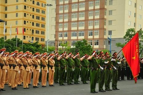 Thời gian sĩ quan học tập tại trường được tính vào thời hạn xét thăng quân hàm.