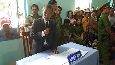 LS Vũ Quang Đức, Đoàn LS TPHCM, được gia đình bị cáo Vũ mời để bảo vệ quyền lợi cho bị cáo
