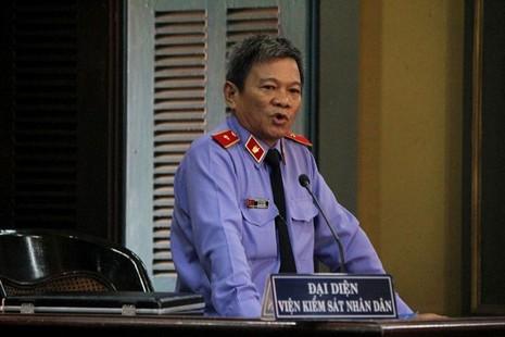 Đại diện VKS tại tòa