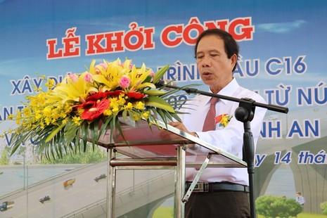 Ông Trần Anh Dũng – Phó Chủ tịch UBND tỉnh Trà Vinh – Trưởng Ban quan lý Khu kinh tế Trà Vinh phát biểu tại lễ khởi công