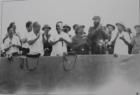 Gặp người chụp 250 bức ảnh Fidel Castro tại Việt Nam  - ảnh 5