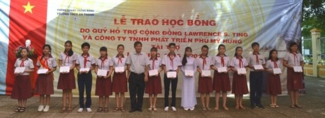 Trao 121 suất học bổng cho Trường THCS An Thành - ảnh 1