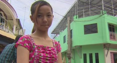 Sốc trước lời kể của cô bé bị ép bán dâm từ năm 12 tuổi - ảnh 1