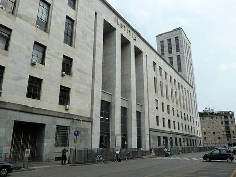 Tin nóng: Doanh nhân phá sản bắn chết thẩm phán tại tòa - ảnh 2