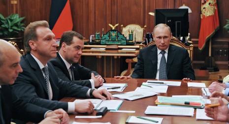 Thu nhập 2014 của Tổng thống Putin thấp hơn thủ tướng Medvedev - ảnh 1