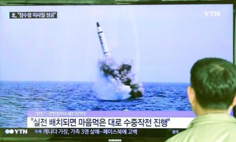 Triều Tiên đã 'chế ảnh' chứ chưa đủ trình độ chế tạo tên lửa tàu ngầm? - ảnh 2