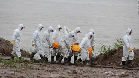 Trung Quốc vớt tàu chìm, không nạn nhân nào sống sót - ảnh 2