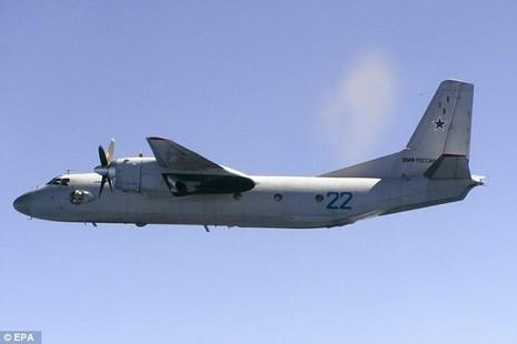Máy bay NATO 'đụng độ' máy bay Nga - ảnh 1