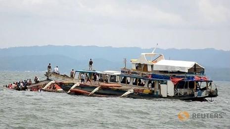Vụ chìm phà hơn 50 người chết: chủ phà bị kiện tội giết người - ảnh 1