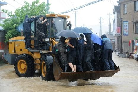 Siêu bão Chan-hom tấn công Trung Quốc: Thiệt hại khủng khiếp - ảnh 3