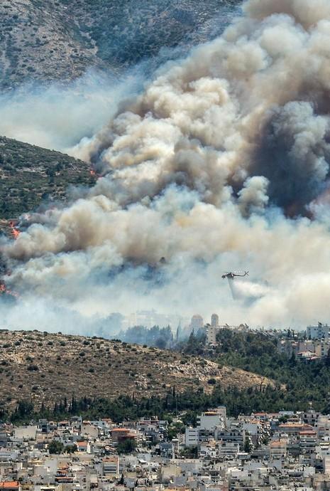 Cháy kinh hoàng ở Hy Lạp, du khách hoảng loạn - ảnh 5