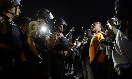 150 người bị bắt, làn sóng bạo lực ở Mỹ chưa có hồi kết - ảnh 2