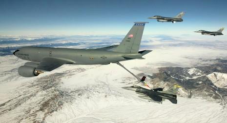 Máy bay tiếp dầu của Mỹ lại phải hoãn bay thử nghiệm  - ảnh 1