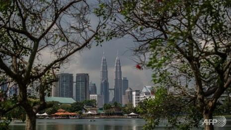 Đại sứ quán Mỹ báo động khủng bố, Malaysia bắt ba nghi phạm - ảnh 1