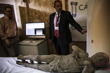 Phát hiện thi thể hóa thạch 2.000 năm tuổi - ảnh 1