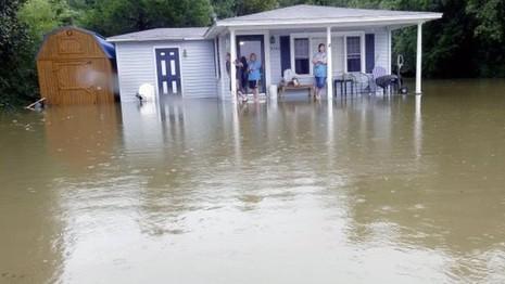 Mỹ: Lượng mưa kỉ lục trong vòng 1000 năm qua - ảnh 1