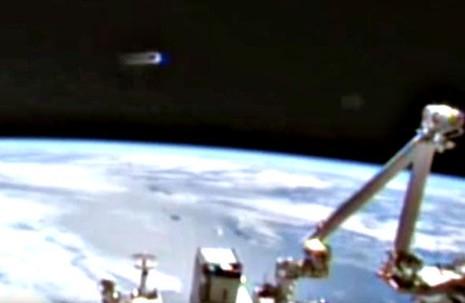 Thực hư UFO 'giám sát' trạm không gian ISS - ảnh 3