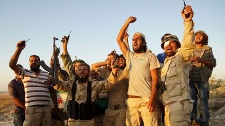 Quân đội Syria Tự do bác bỏ đề nghị giúp đỡ của Nga - ảnh 1