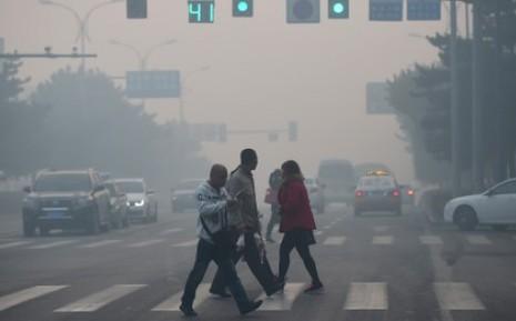Trung Quốc: Ô nhiễm kinh hoàng đến mức dân lầm tưởng cháy lớn - ảnh 2
