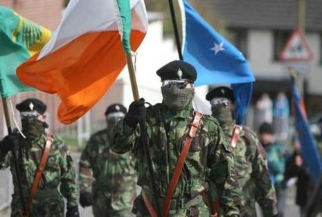 Quân đội Cộng hòa Ireland 'nhuộm đỏ' đường phố  - ảnh 1
