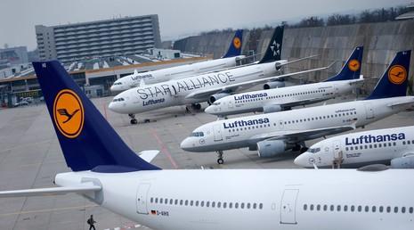 Hành khách đòi mở cửa, dọa cho máy bay rơi giữa không trung - ảnh 1