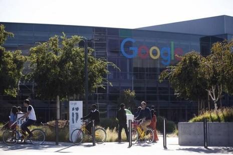 Google đàm phán với Ford để sản xuất xe hơi tự động? - ảnh 1