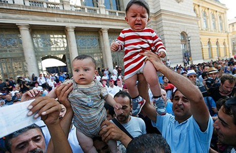 Châu Âu thắt chặt kiểm soát người tị nạn - ảnh 2