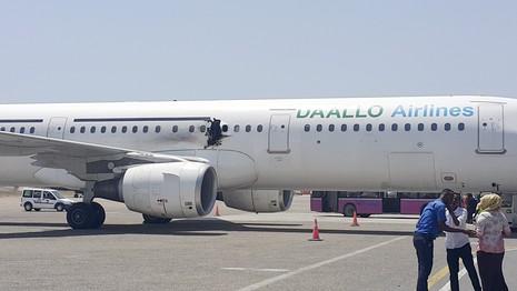 Tiết lộ nguyên nhân vụ nổ trên máy bay Somalia  - ảnh 1