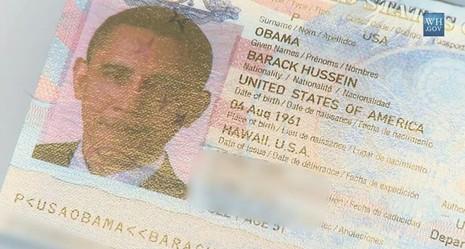 Quyển hộ chiếu đặc biệt của ông Obama khi đi công du - ảnh 1
