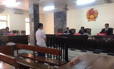 Bị cáo Sơn tại phiên tòa sáng ngày 14-2