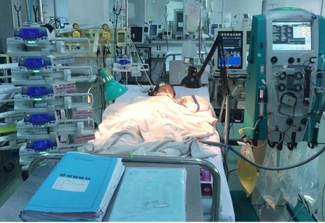 Sức sống mãnh liệt của bé bị tai nạn ngưng tim ba lần - ảnh 1