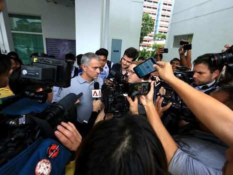 """Mourinho: """"Tôi có mặt tại đây thì sẽ có tin tôi làm HLV tuyển Singapore"""" - ảnh 5"""