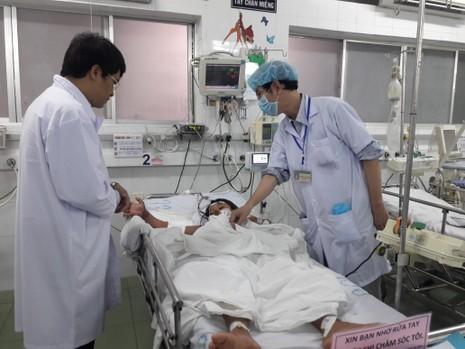 Bộ Y tế kiểm tra đột xuất nhiều bệnh viện ở TP.HCM - ảnh 2